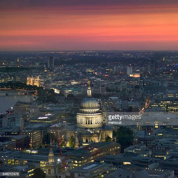 uk, england, london, illuminated cityscape with st. paul's cathedral - mattscutt stock pictures, royalty-free photos & images