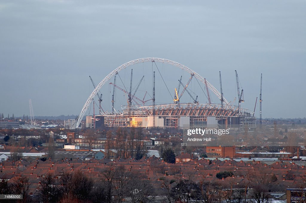 England, London, New Wembley Stadium under construction : Stock Photo