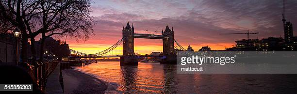 UK, England, London, River Thames, Tower Bridge against bright dawn sky