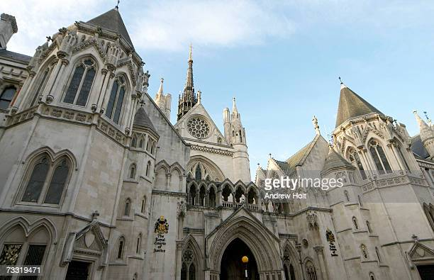 england, london, royal courts of justice, low angle view - royal courts of justice imagens e fotografias de stock
