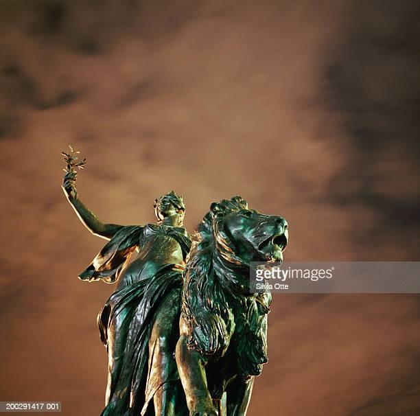 England, London, Victoria Memorial, night (long exposure)