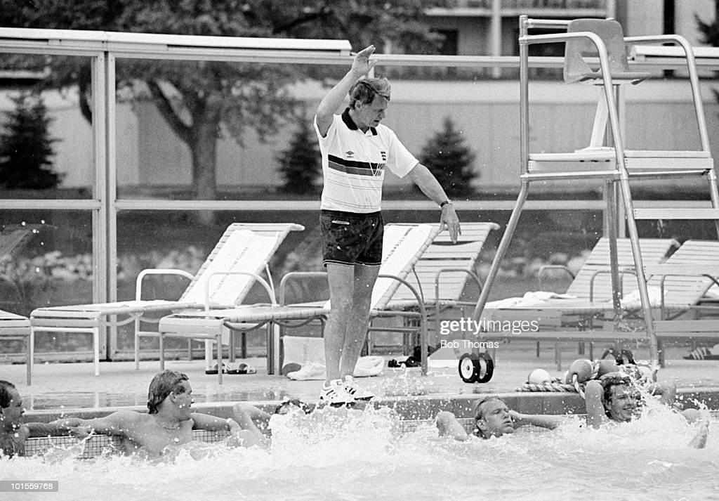 England manager Bobby Robson giving directions to players in the hotel swimming pool at The Broadmoor Hotel in Colorado Springs, Colorado, USA on 145h May 1986. England beat South Korea 4-1. (Bob Thomas/Getty Images).