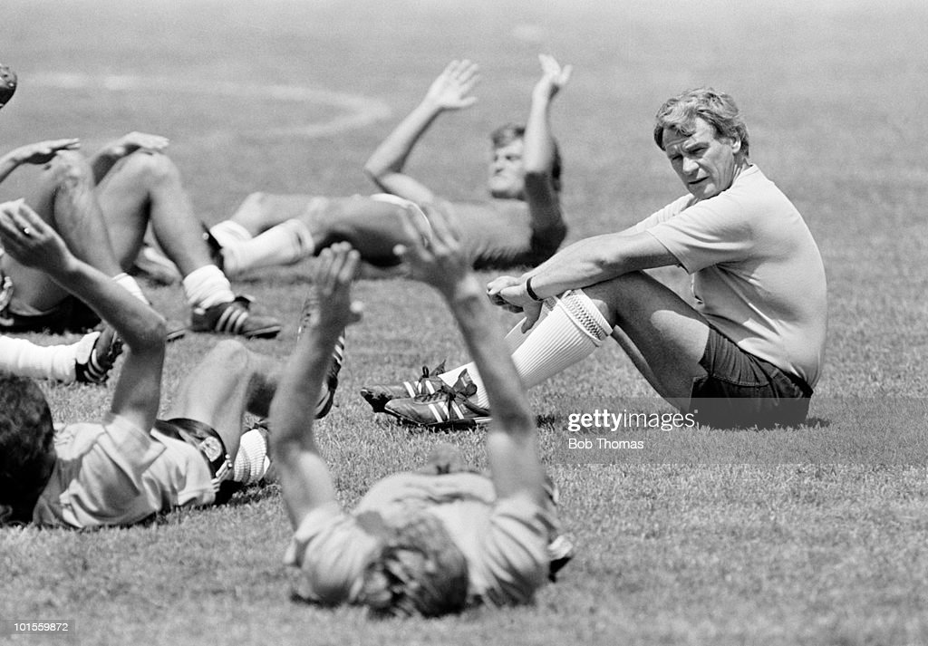 England manager Bobby Robson watches the players during pre-World Cup training in Monterrey, Mexico on 26th May 1986. (Bob Thomas/Getty Images).