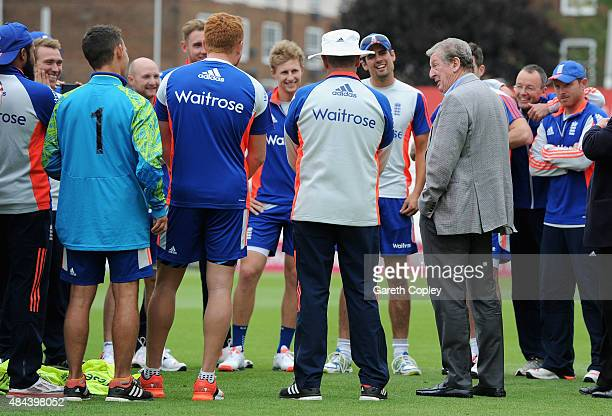 England manager Roy Hodgson speaks to the England team ahead a nets session ahead of the 5th Investec Ashes Test match between England and Australia...
