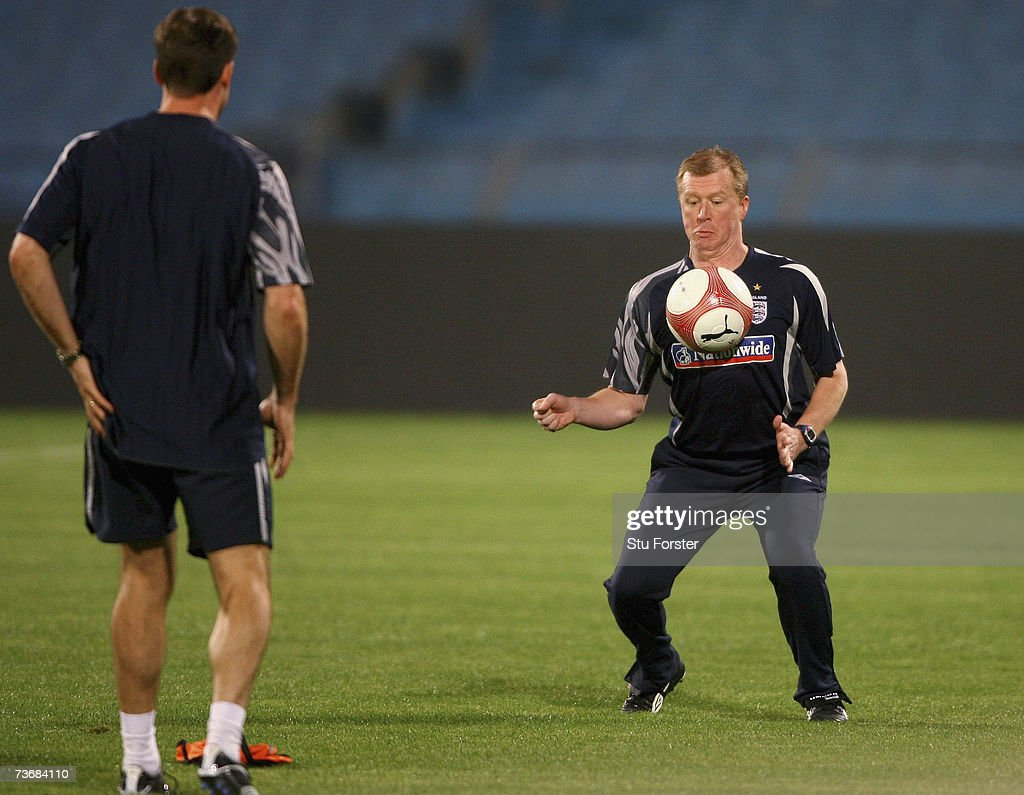 England manager Steve McClaren controls the ball during England training at The Ramat Gan Stadium ahead of tomorrow's Euro 2008 Qualifier against Israel on March 23, 2007 in Tel Aviv, Israel.