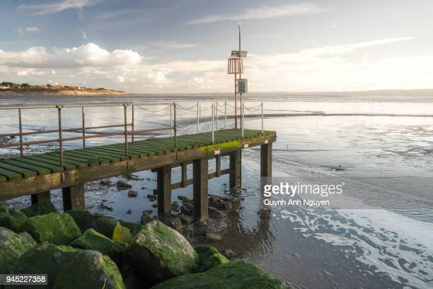 uk, england, merseyside, wirral: west kirby marine lake looking towards north wales - dee nguyen stock pictures, royalty-free photos & images