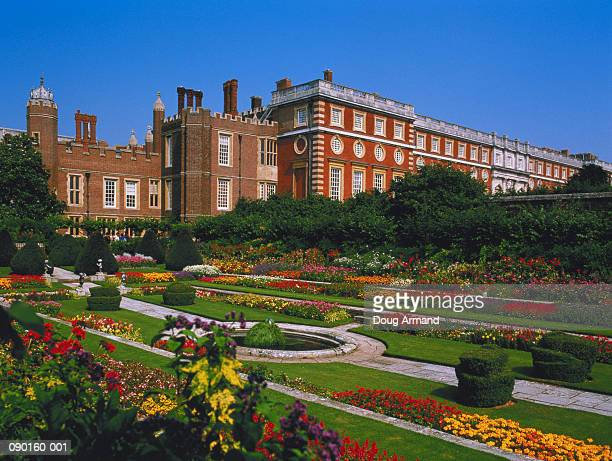 england, middlesex, hampton court palace, pond garden - hampton court stock pictures, royalty-free photos & images