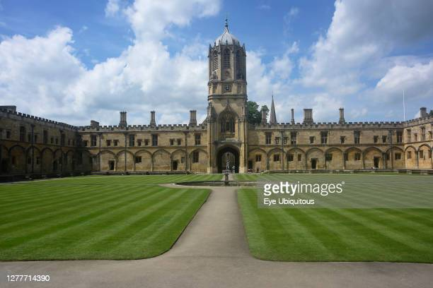 England, Oxford, Christ Church, Tom Tower and Tom Quad.