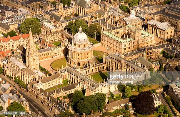 england, oxford, radcliffe square and radcliffe camera, aerial view - oxford england stock pictures, royalty-free photos & images