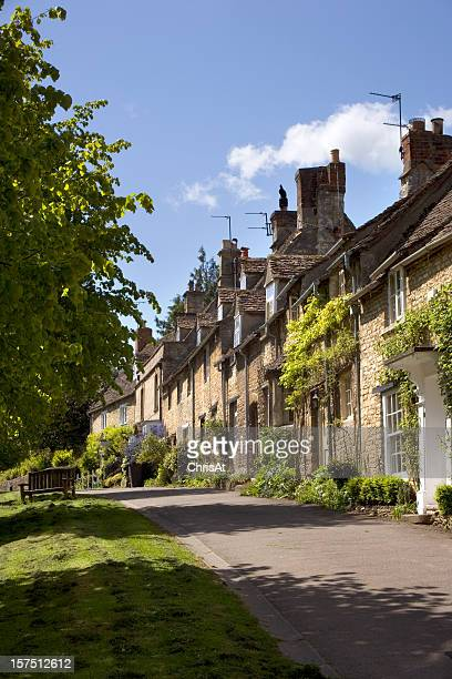 England, Oxfordshire, Cotswolds, Burford street scene