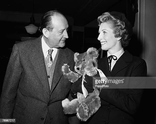 England Patricia Laffan and Cecil Parker are pictured on the set of the film 23 Paces to Baker Street