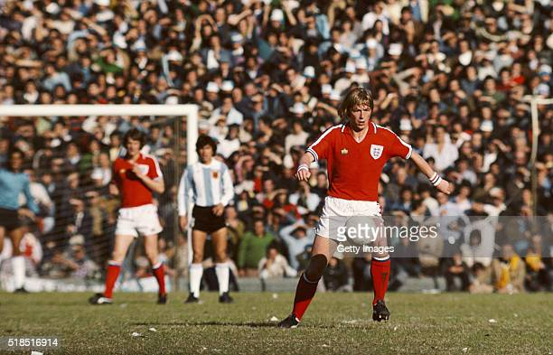 England player Brian Greenhoff in action during the International Friendly between Argentina and England at La Bombonera on June 12 1977 in Buenos...