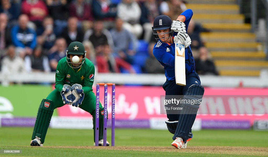 England v Pakistan - 5th One Day International