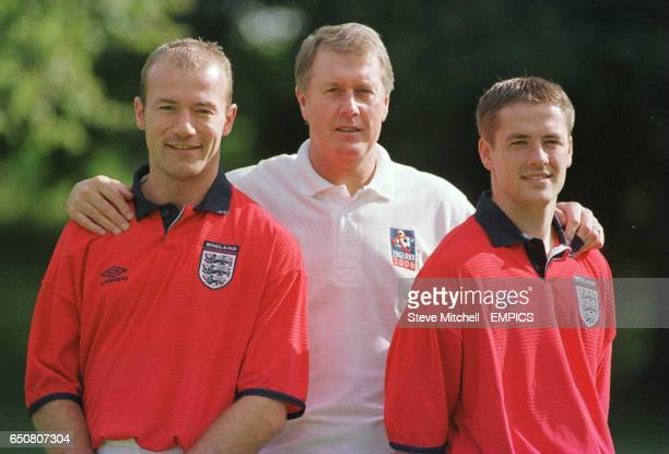 England players Alan Shearer and Michael Owen show off the new kit with Geoff Hurst