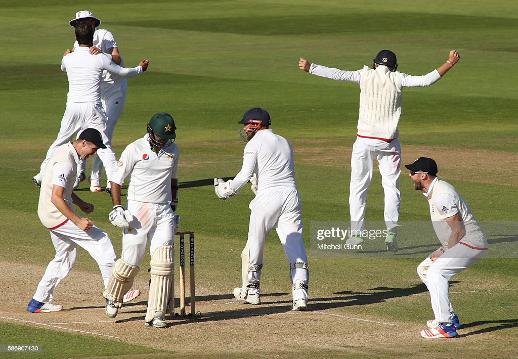 England v Pakistan: 3rd Investec Test - Day Five : News Photo