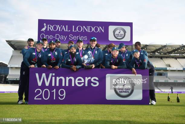 England players pose with the Royal London One Cup trophy during the 5th Royal London ODI match between England and Pakistan at Headingley on May 19...