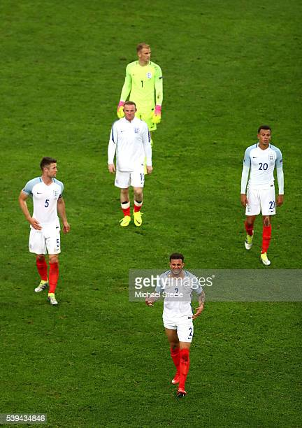 England players show their dejection after their 1-1 draw in the UEFA EURO 2016 Group B match between England and Russia at Stade Velodrome on June...