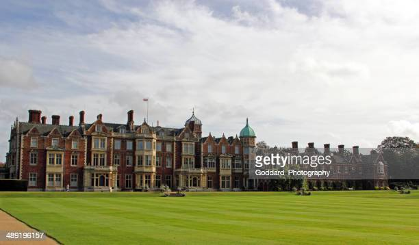 england: sandringham house - sandringham stock pictures, royalty-free photos & images