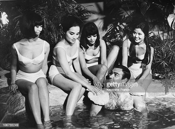 England Sean Connery And James Bond Girls During The Filming Of You Only Leave Twice 1966