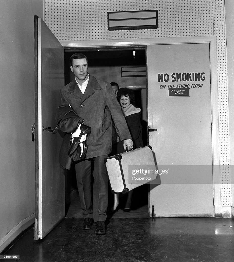 England. 1960. Singer Marty Wilde is pictured arriving for rehearsals. : News Photo