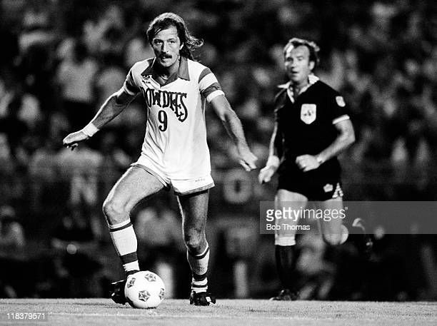 England striker Frank Worthington in action for the Tampa Bay Rowdies during their NASL match against Fort Lauderdale 9th August 1981