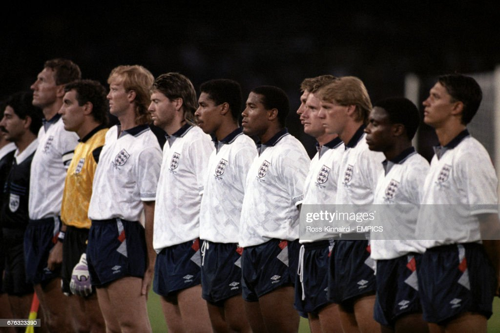Soccer - World Cup Italia 1990 - Quarter Final - England v Cameroon - Stadio San Paolo : News Photo