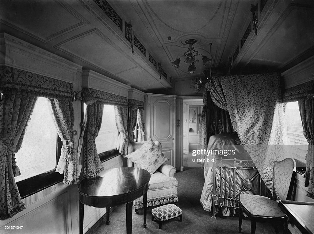 Ordinaire England, The New Royal Train, Queenu0027s Bedroom With Prince Symboles, About  1910 :