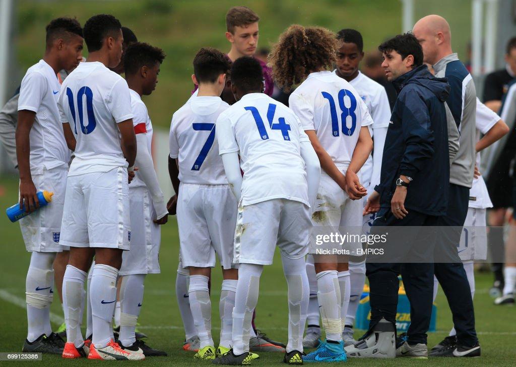 Soccer - International Friendly - England U16 v United States U16 - St George's Park : News Photo