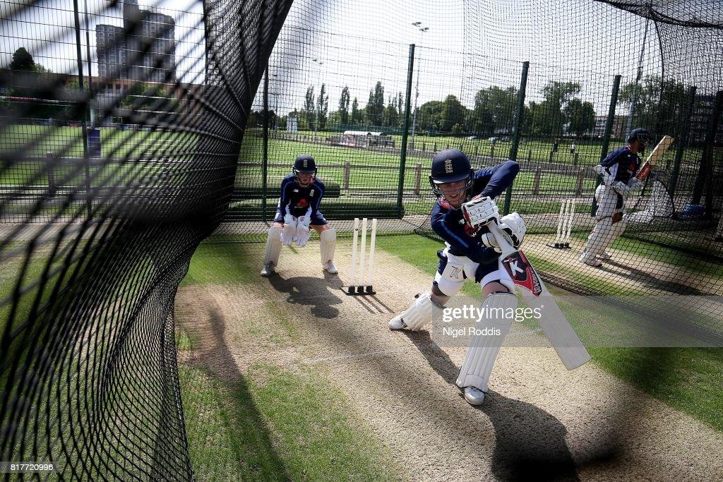 England U19 Media Access : Foto jornalística