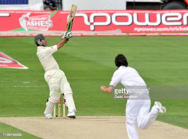England v Australia 4th Test Headingley 1st Day. RICKY PONTIN HIS A SIX OFF GRAHAM ONIONS. 7/8/09.