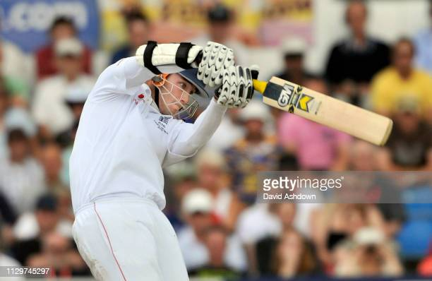 England v Australia 4th Test Headingley 3rd Day. STEWART BROAD HITS FOUR OFF PETER SIDDLE. 9/8/09.