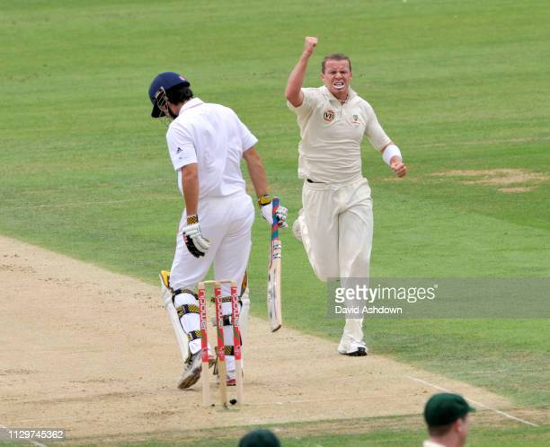 England v Australia 5th TEST AT THE OVAL. 1st DAY ALESTER COOK OUT CAUGHT RICKY PONTIN BOWLED PETER SIDDLE. 20/8/09.
