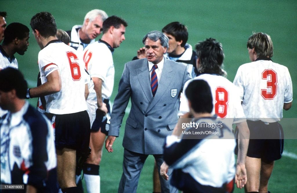 England v Belgium - World Cup Second Round, Bologne, Manager Bobby Robson talks to team before extra time.