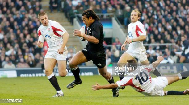 England v New Zealand Rugby Union international at Twickenham Stadium 18th November 2005.