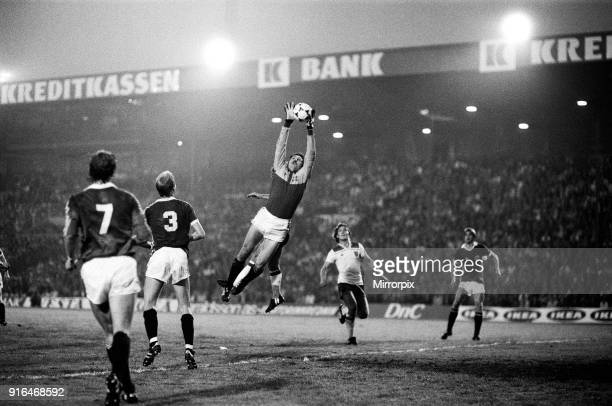 England V Norway, World Cup Qualifying match. Ullevaal Stadium in Oslo, Norway. Norway won 2-1. Norwegian goal keeper Tore Antonsen jumps for the...