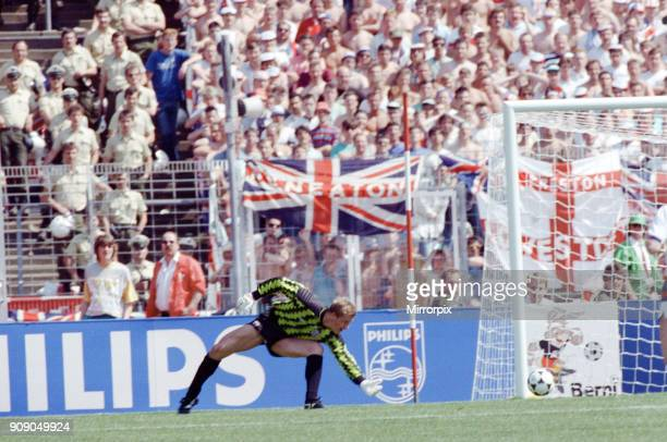 England v Soviet Union 1-3 1988 European Championships, Hanover Germany Group Match B. England keeper Chris Woods concedes a goal. 18th June 1988.