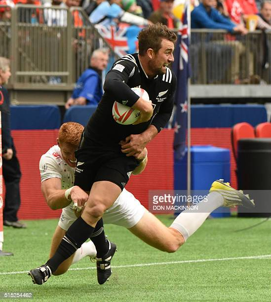 England vs New Zealand during HSBC World Rugby Sevens Series action in Vancouver BC Canada March 12 2016 New Zealand won 70 / AFP / Don MacKinnon