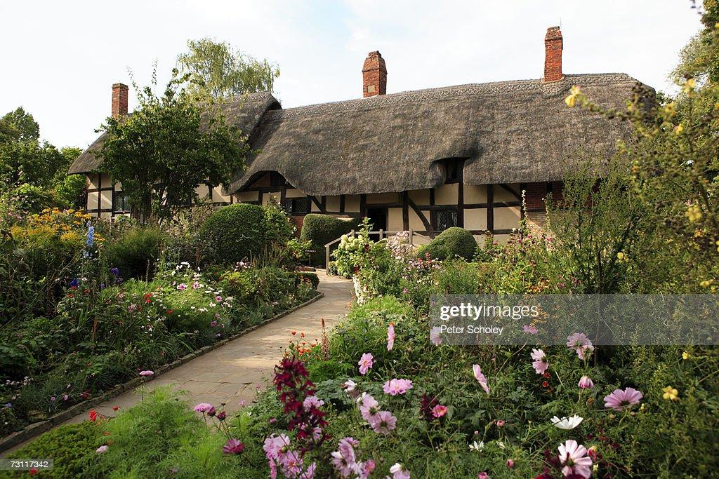 England, Warwickshire, Stratford-upon-Avon, Shottery, Anne Hathaway's cottage and garden : Foto de stock