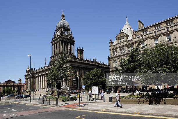 England, West Yorkshire, Leeds, Town Hall and City Art Gallery