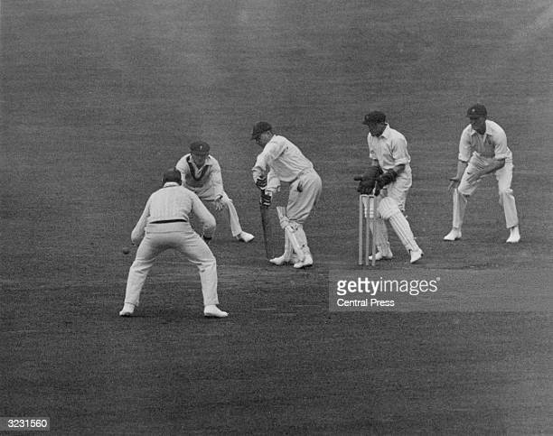 England wicketkeeper George Duckworth at the crease for England against Australia in the 2nd Test at Headingley
