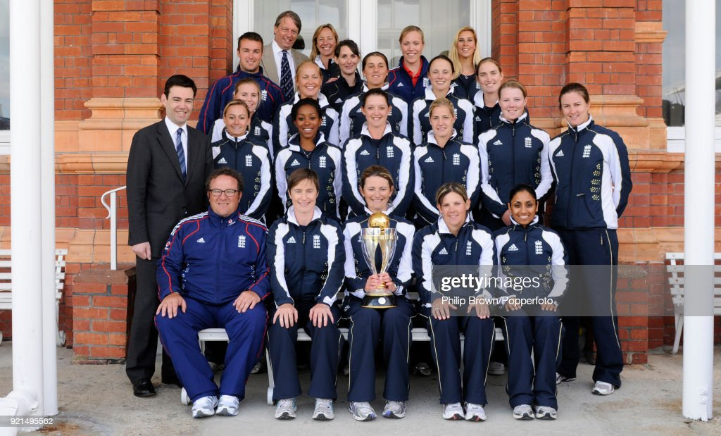 England Women - ICC Women's World Cup Trophy : News Photo