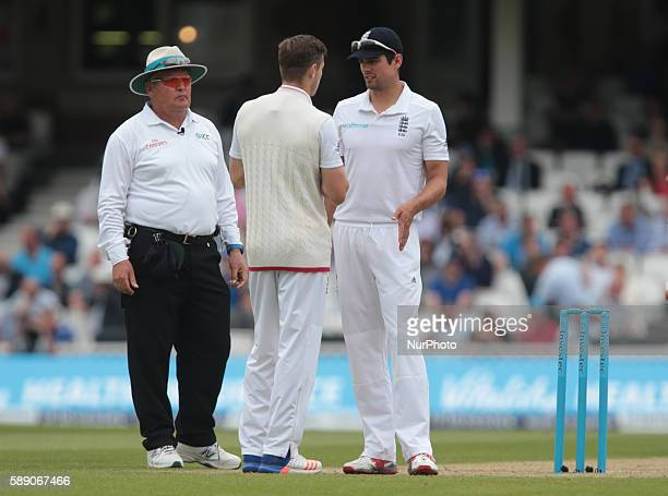 England's Alastair Cook having words with England's Chris Woakes during Day Three of the Fourth Investec Test Match between England and Pakistan...