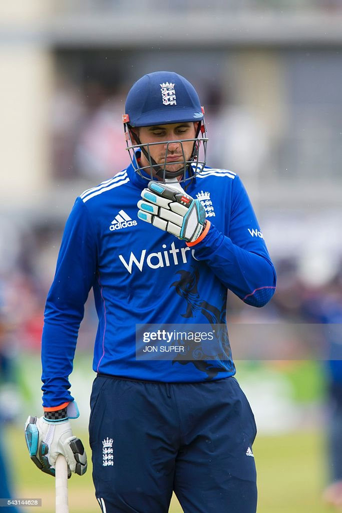 England's Alex Hales walks back to the pavilion after being caught by Sri Lanka's Dinesh Chandimal for 0 during play in the third one day international (ODI) cricket match between England and Sri Lanka at Bristol cricket ground in Bristol, south-west England, on June 26, 2016. Chris Woakes and Liam Plunkett both took three wickets apiece as England held Sri Lanka to 248 for nine in the third one-day international at Bristol on Sunday. / AFP / JON