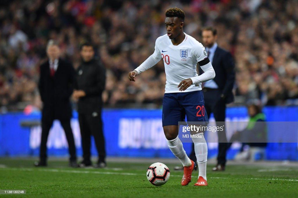 England v Czech Republic - UEFA EURO 2020 Qualifier : Fotografía de noticias