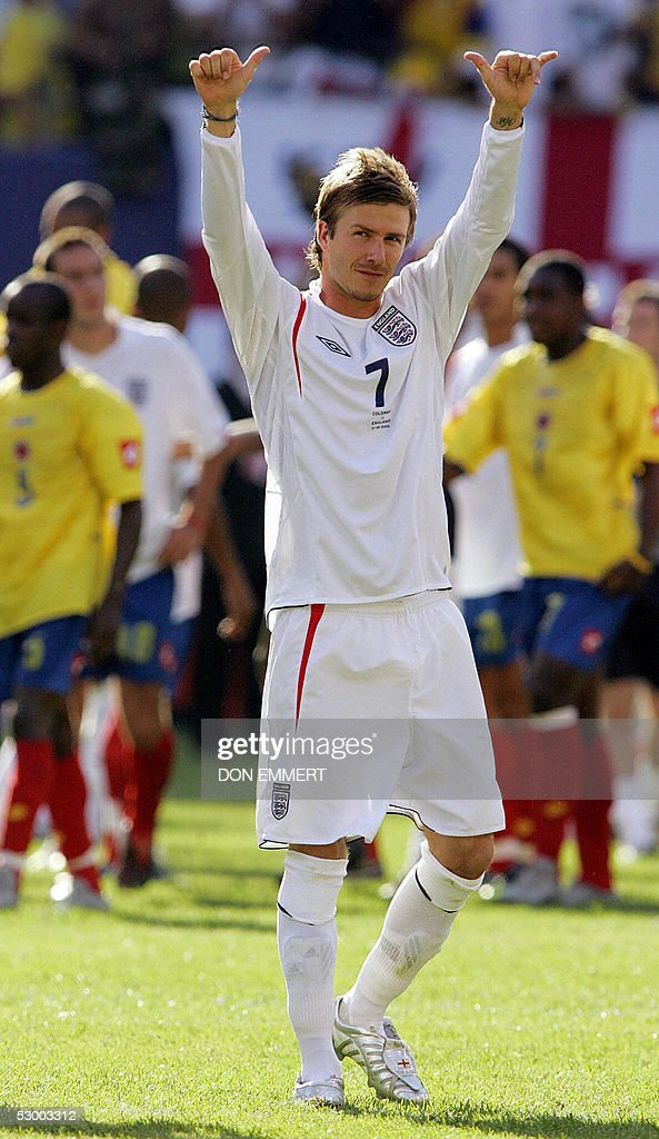 England's David Beckham waves to the crowd after the friendly match between England and Colombia 31 May 2005 in East Rutherford, NJ. England won 3-2.