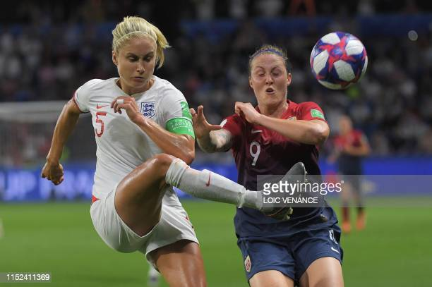 TOPSHOT England's defender Steph Houghton vies with Norway's forward Isabell Herlovsen during the France 2019 Women's World Cup quarterfinal football...