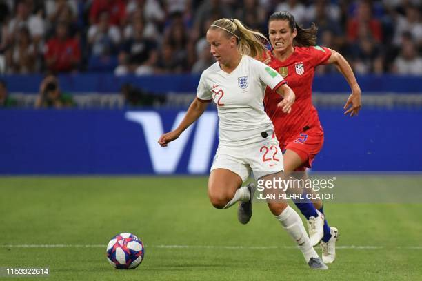 England's forward Beth Mead vies for the ball with United States' defender Kelley O'Hara during the France 2019 Women's World Cup semi-final football...