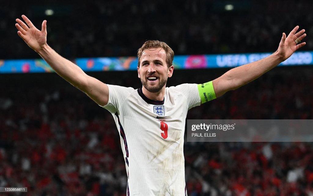 FBL-EURO-2020-2021-MATCH50-ENG-DEN : News Photo