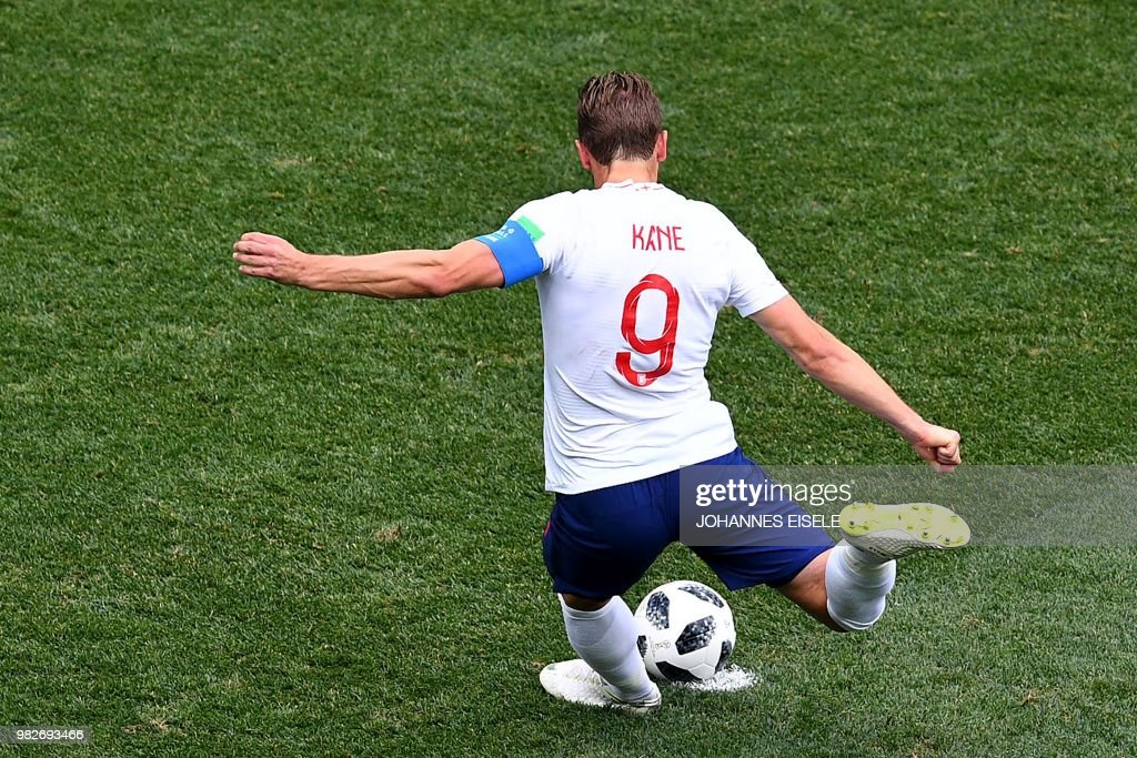 TOPSHOT - England's forward Harry Kane scores a penalty goal during the Russia 2018 World Cup Group G football match between England and Panama at the Nizhny Novgorod Stadium in Nizhny Novgorod on June 24, 2018. (Photo by Johannes EISELE / AFP) / RESTRICTED