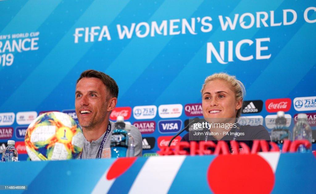 England Women Press Conference - Stade de Nice : Nachrichtenfoto